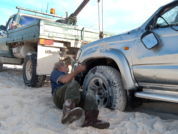 rolled-hilux-photo