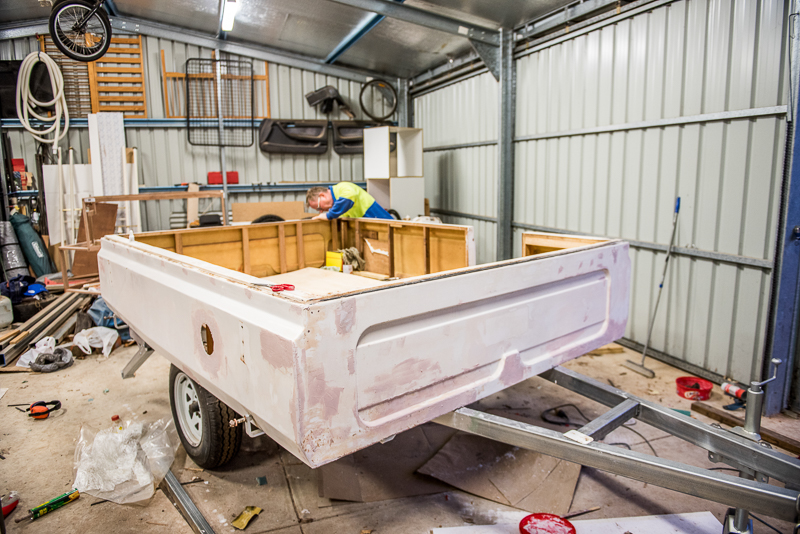 painting-fibreglass-act-trailer-rebuild