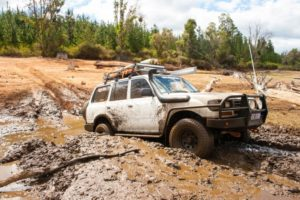 80-series-mud-driving