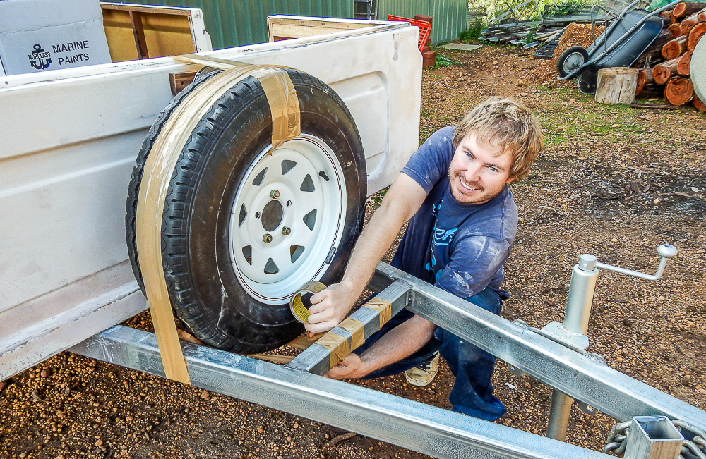 camper-trailer-spare-wheel